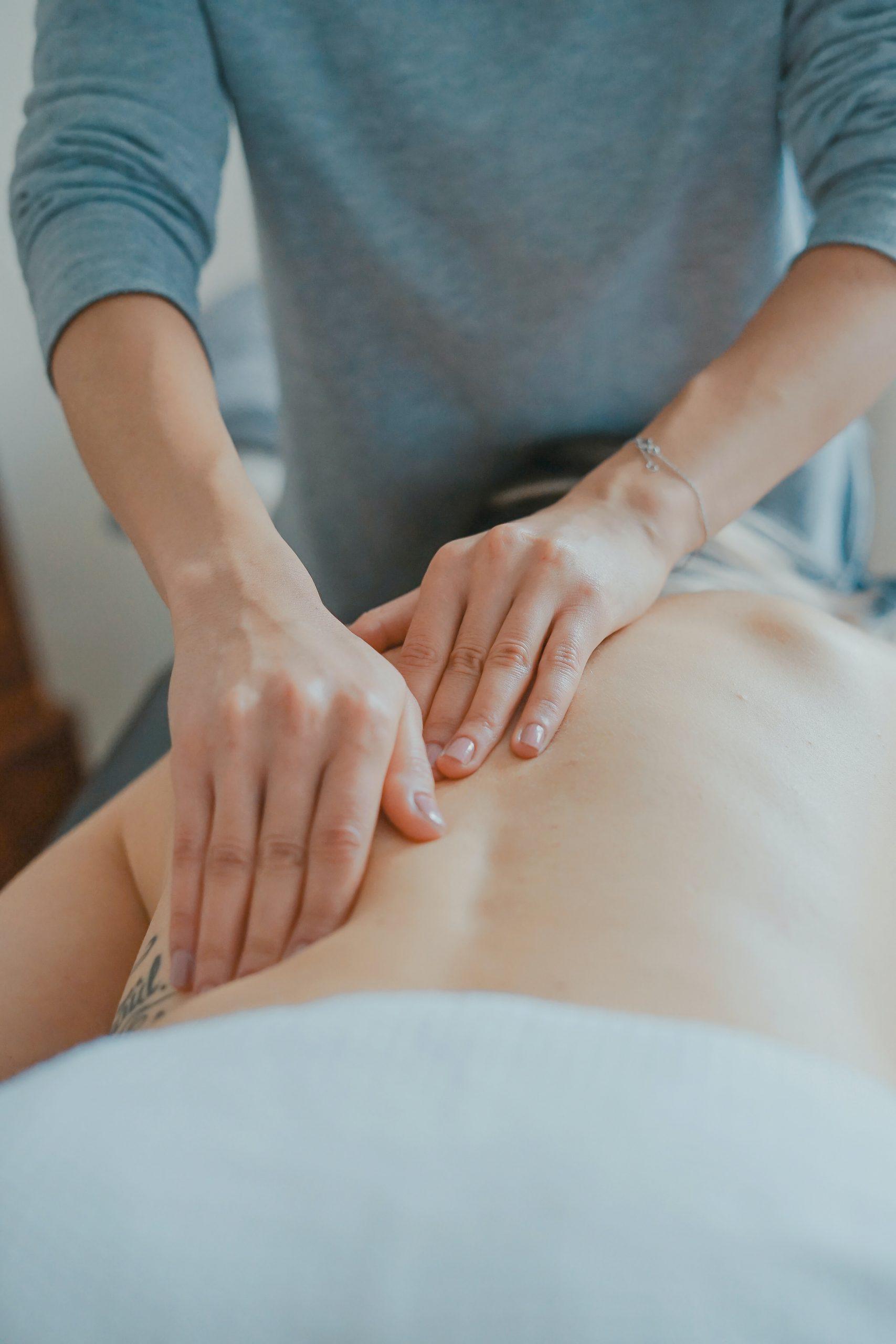 如何改善脊椎彎曲造成的肩頸痠痛?